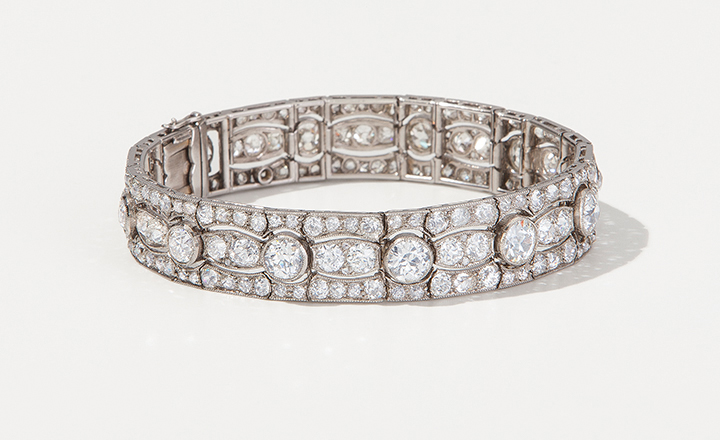 Diamond bracelet, ca. 1915, platinum, gold and diamonds ca. 18 ct.