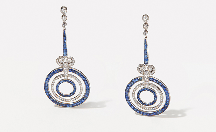 Earrings, platinum, sapphires ca. 2,5 ct., diamonds ca. 1,5 ct., Art Deco design
